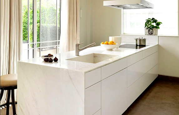 Sparkling marble surfaces - how to clean them.