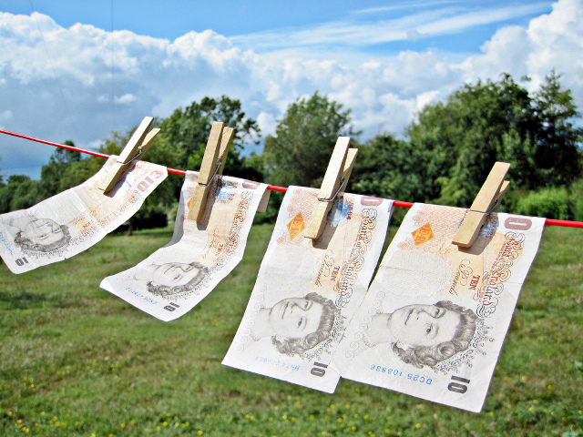 Make Money from Clutter: Identify The Valuable Items